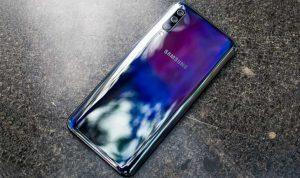 Samsung-Galaxy-A50-holaMOBI